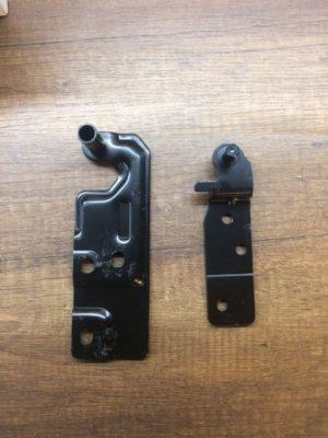 Левые петли для холодильника R-BG410PUC6XGBE (Hitachi)