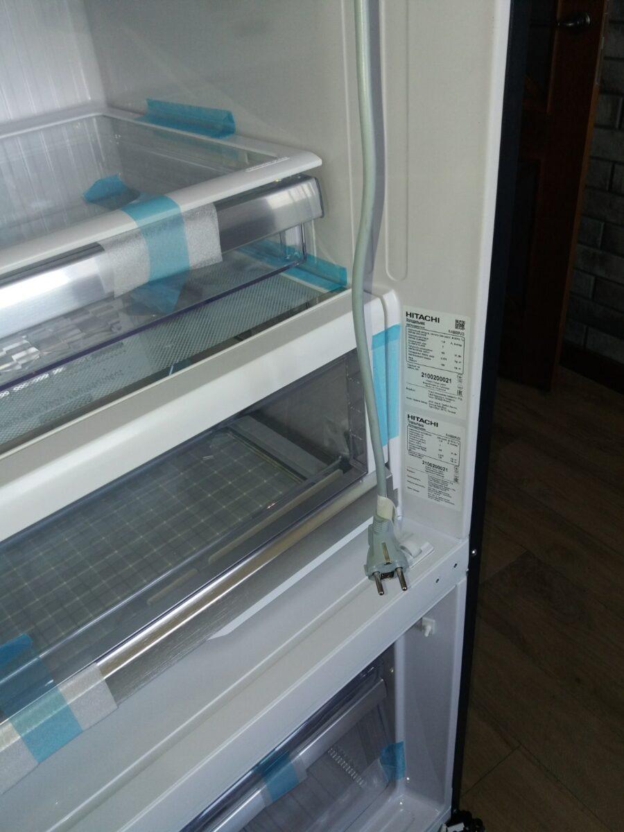 HITACHI_R-WB730PUC5XGR_grey_b1ez3-900x1200 Как занести на кухню большой холодильник