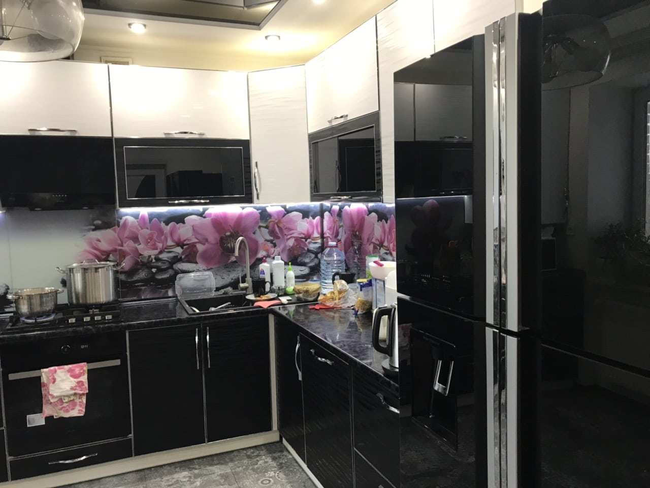 R-W660puc7GBK_int6 Холодильник для кухни-студии, дизайн.