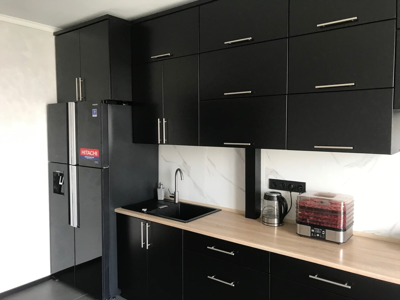 R-W660puc7GBK_int99 Холодильник для кухни-студии, дизайн.