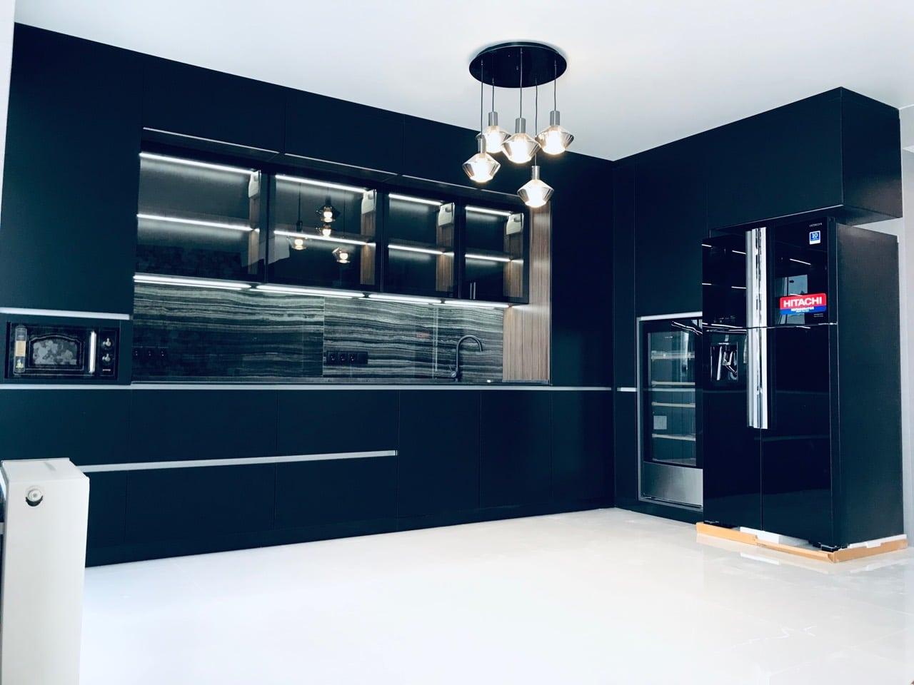 R-W660puc7GBK_interNEW Холодильник для кухни-студии, дизайн.