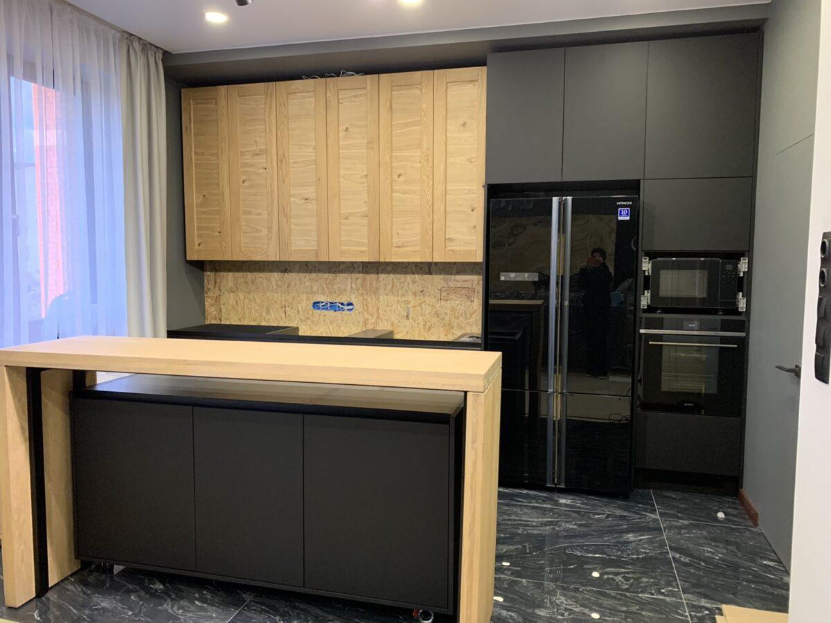 Hitachi_R-WB730PUC5GBK_foto-1200x900 Как занести на кухню большой холодильник