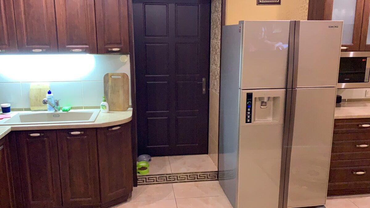 w720gpuc3-1200x675 Как занести на кухню большой холодильник
