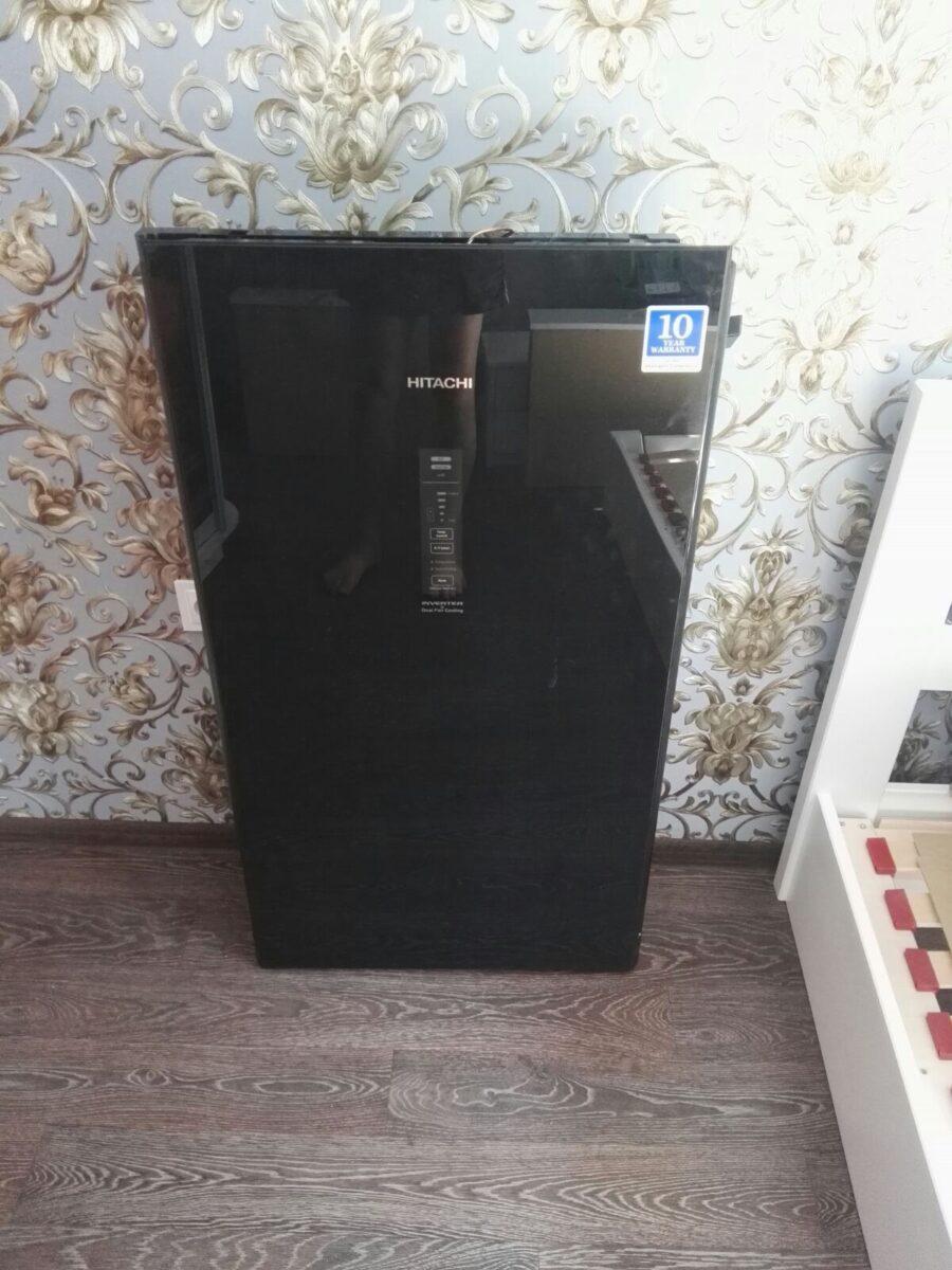 Holodilnik_Hitachi_R-BG410PUC6XGBK_door_megabox-900x1200 Как занести на кухню большой холодильник