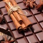 Нужно ли хранить шоколад в холодильнике
